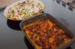 Ulang tahun YM Arif, hidangannya salad buah dan chicken roasted with potato sauce.