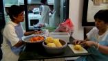 Kesibukan di Dapur