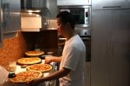 Membuat Pizza, hidangan utama acara ulang tahun
